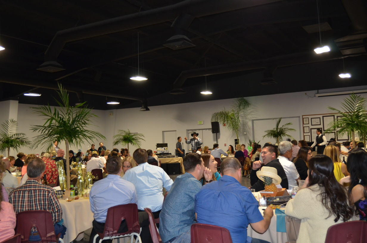 2016-Chamber-Auction-059.JPG-w1232.jpg