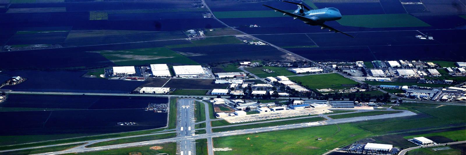 hollister-airport.jpg