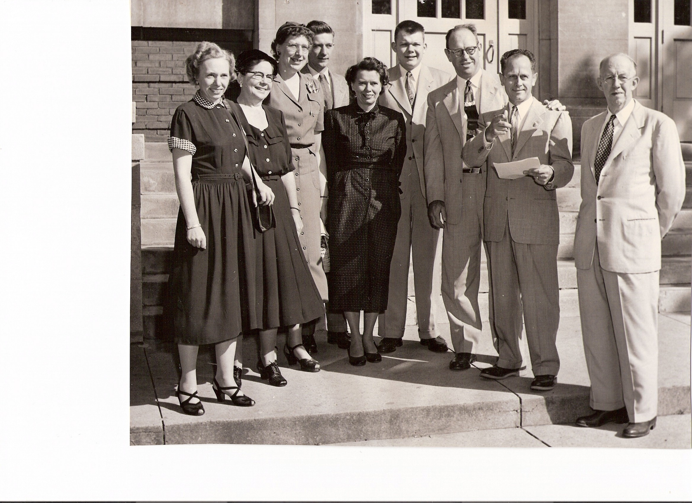 Elgin-High-School---Unknown-Group.jpg