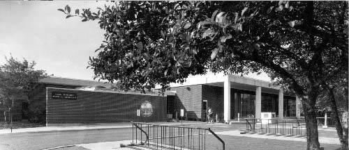 Gail-Borden-Public-Library-2.jpg