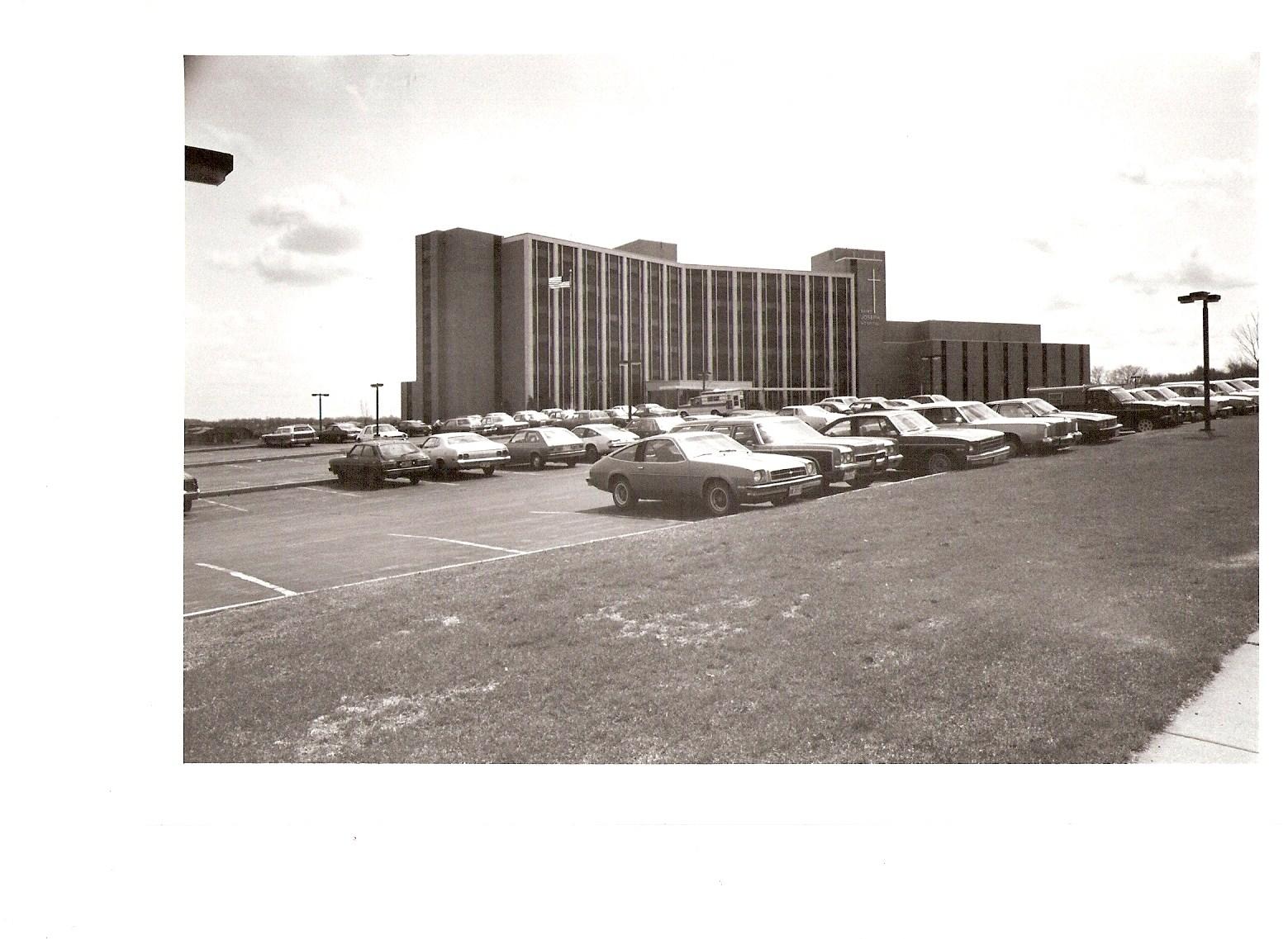 Provena-Saint-Joseph-Hospital.jpg