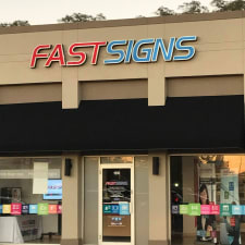 Fastsigns-w225.jpg