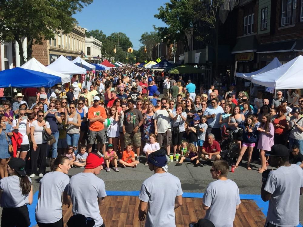 2016_Belmont_Stakes_Street_Festival.jpg