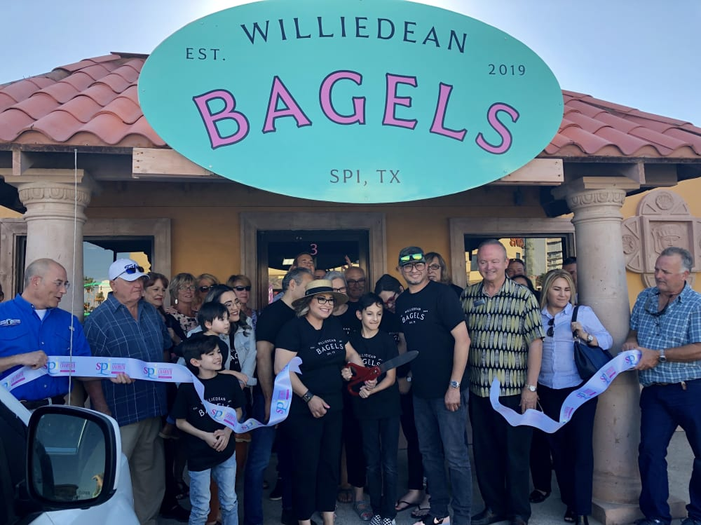 WilliedeanBagelRibbonCutting-w1000.jpg