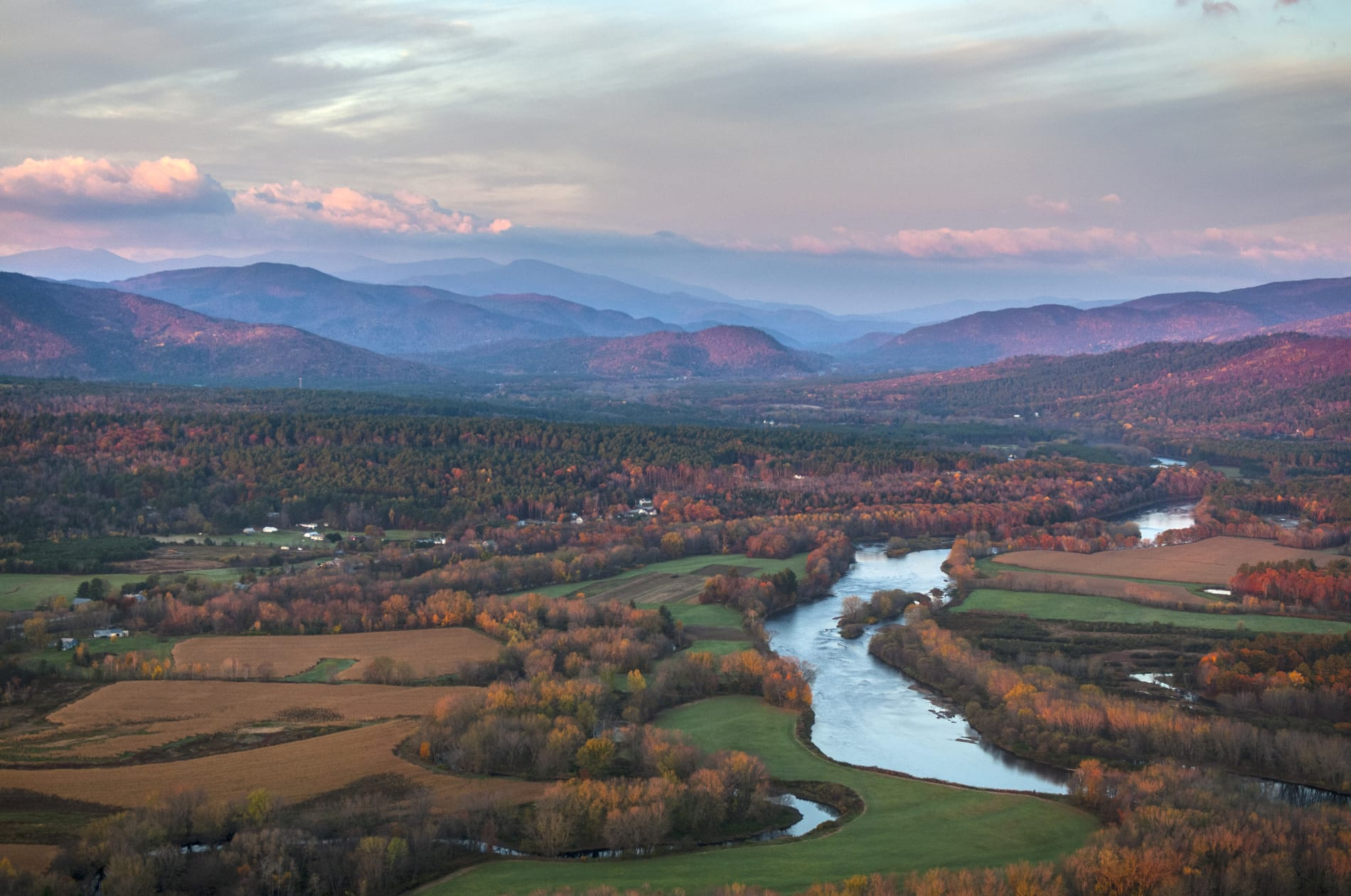 Dirk-MacKnight's-fall-aerial-mountains-and-river-w1900.jpg