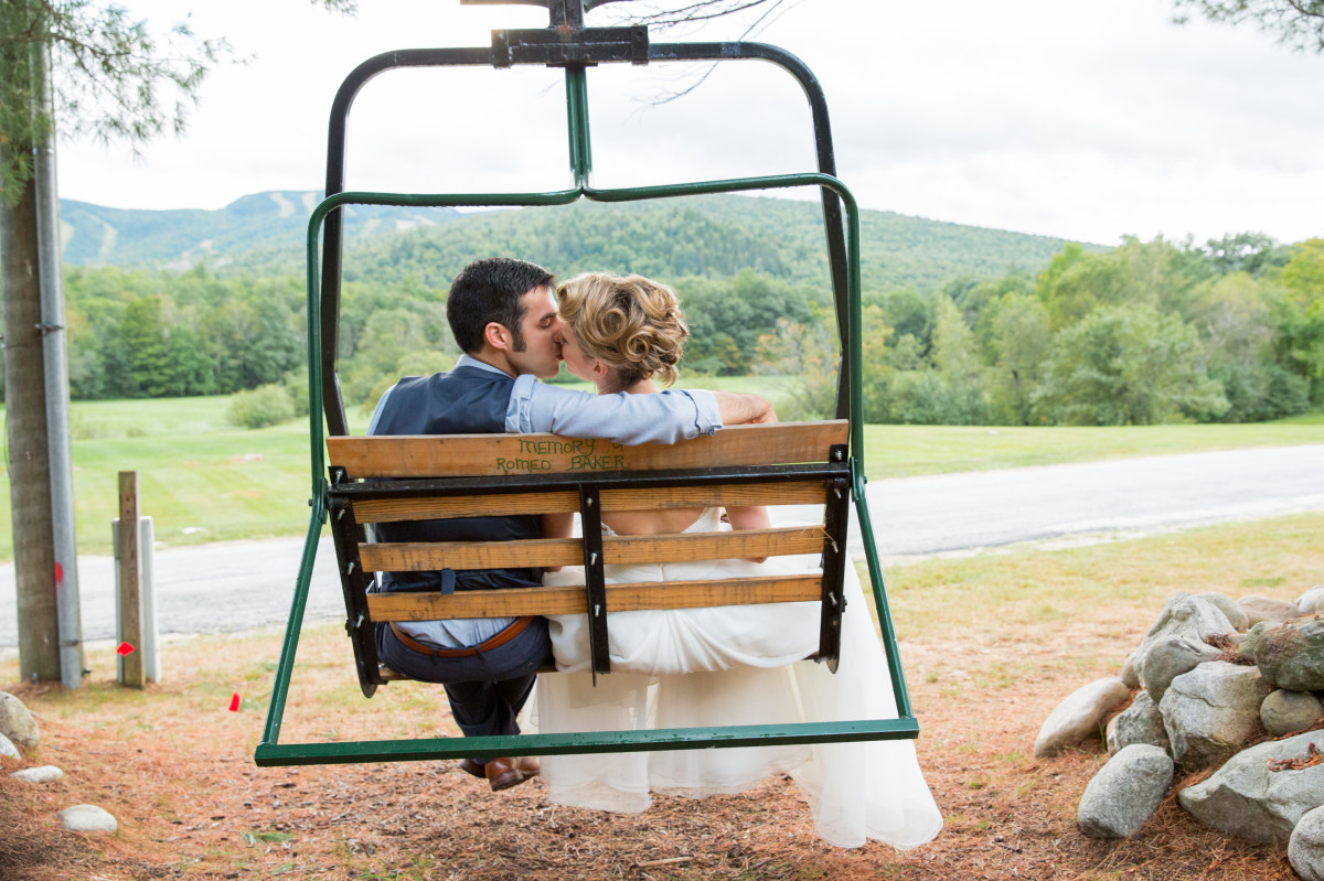 LexiLowellPhotography_046_Couple_kissing_in_chairlift_at_Mountain_House_on_Sunday_River-w1200.JPG