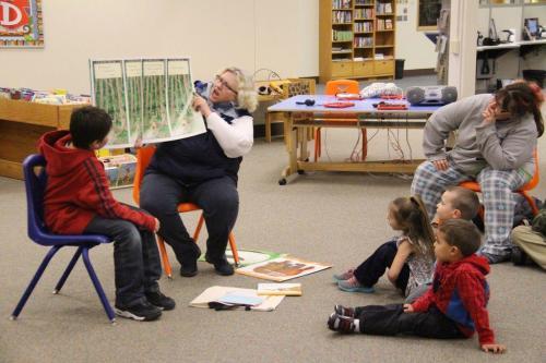 library-1.000-books-before-kindergarten-w500.jpg