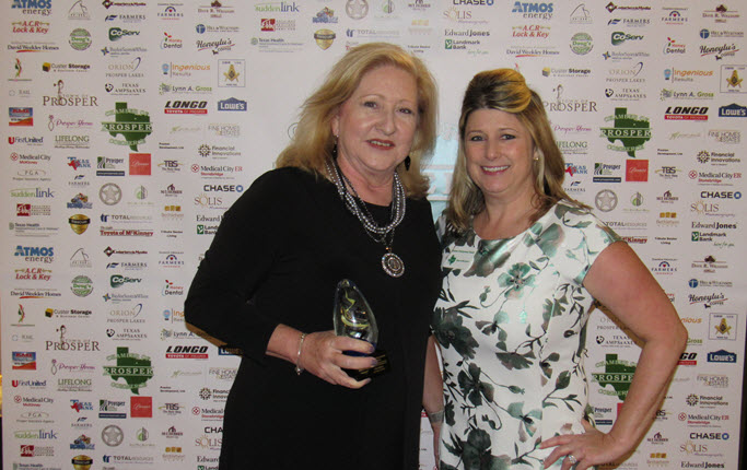 Outstanding-Board-Member-of-the-Year---Lynn-Gross-Presented-by-Denise-Gustavson-Grant.JPG
