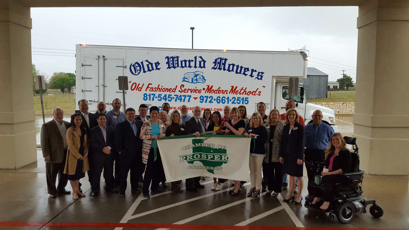 Ribbon-Cutting-Olde-World-Movers-w1328.jpg