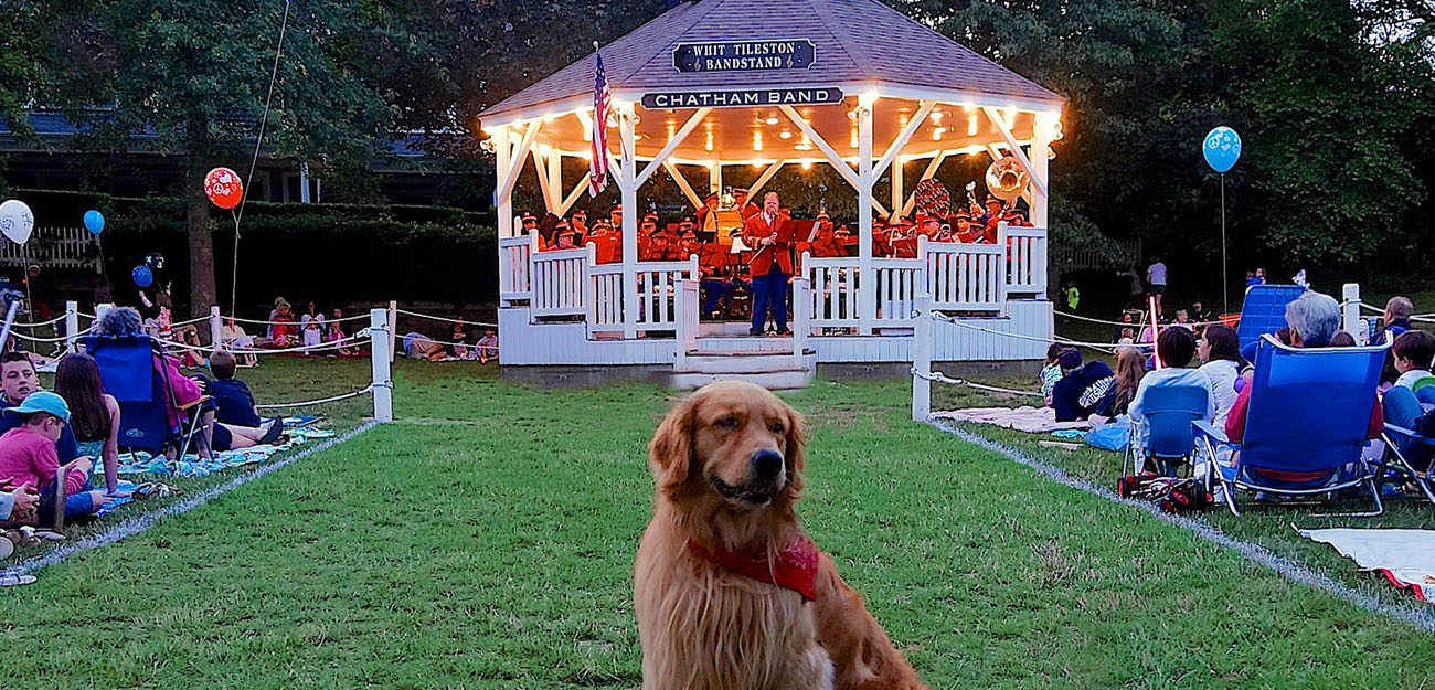 _0007_Chatham_Charlie_at_the_Bandstand.jpg