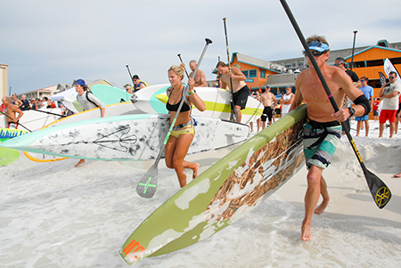 Paddle at the Porch - Manny Chavez, MC Photo