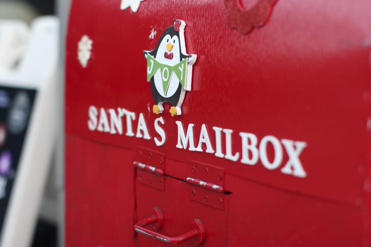 Holiday Glow Santa's Mailbox