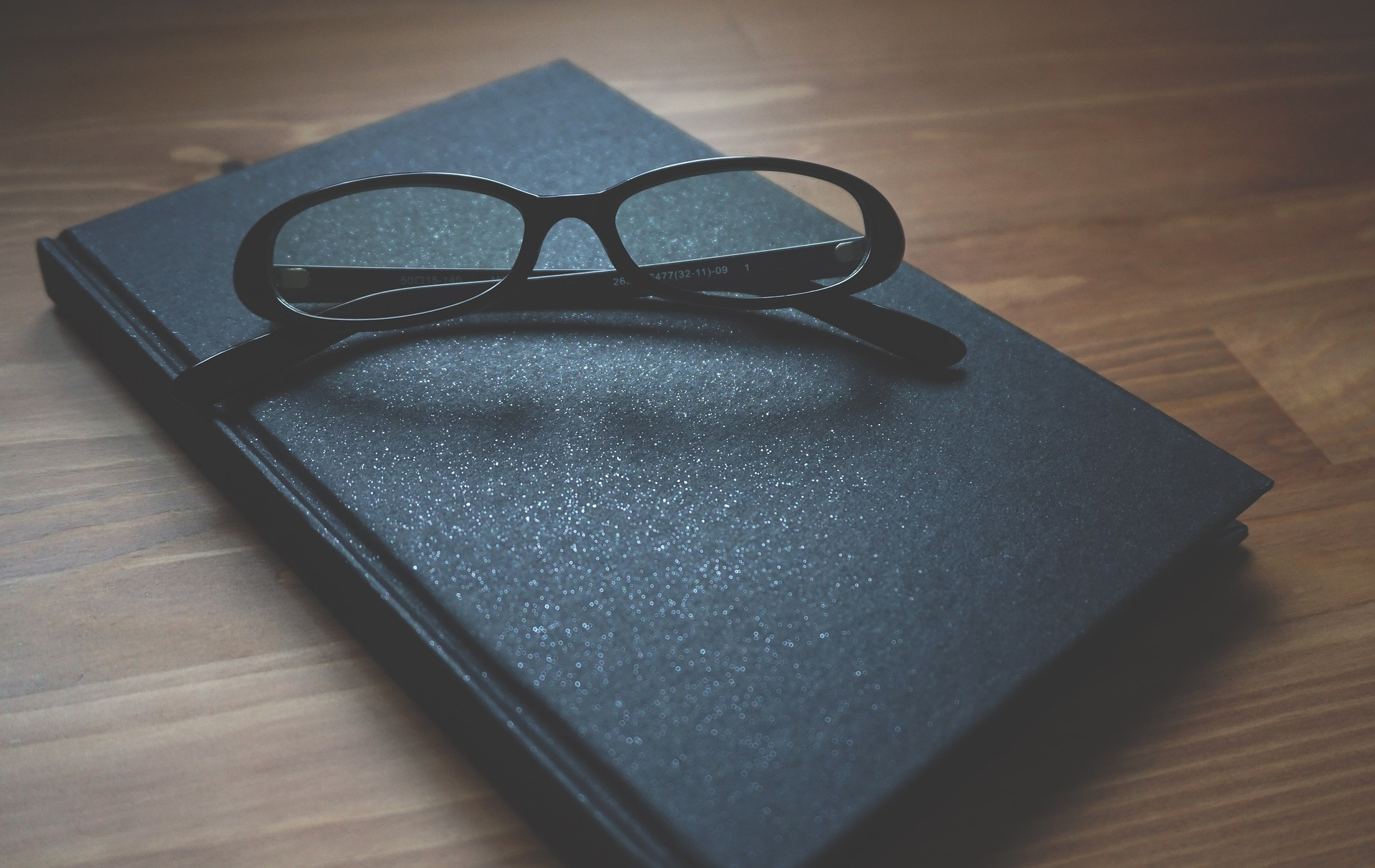 glasses-1280549_1920.jpg