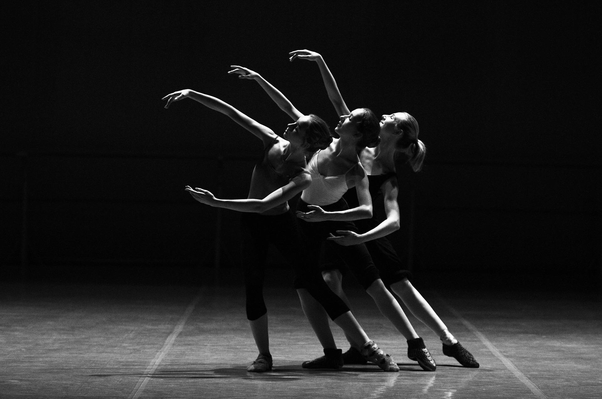 ballet-1376250_1920.jpg