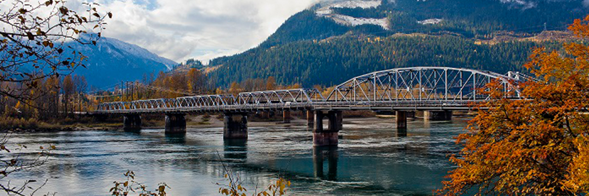 Revelstoke_Bridge_Big_Eddy.jpg