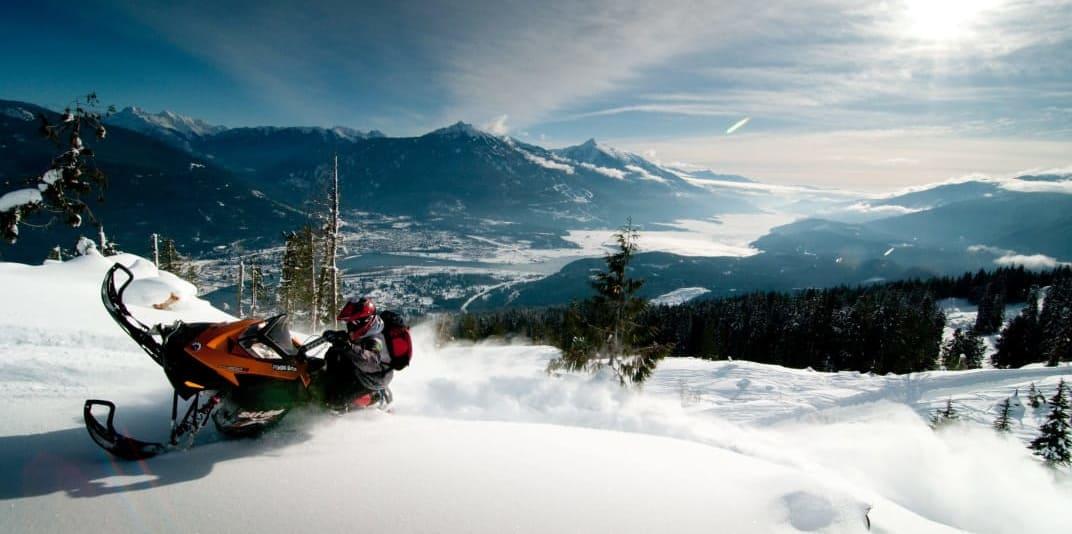Snowmobiling-Revelstoke--edits.jpg