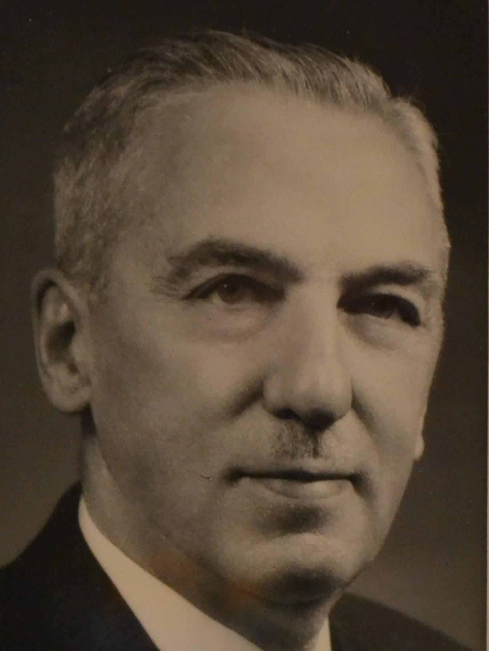 1930-Robert-Lennox-Q.C.-1930-1931.1jpg.jpg