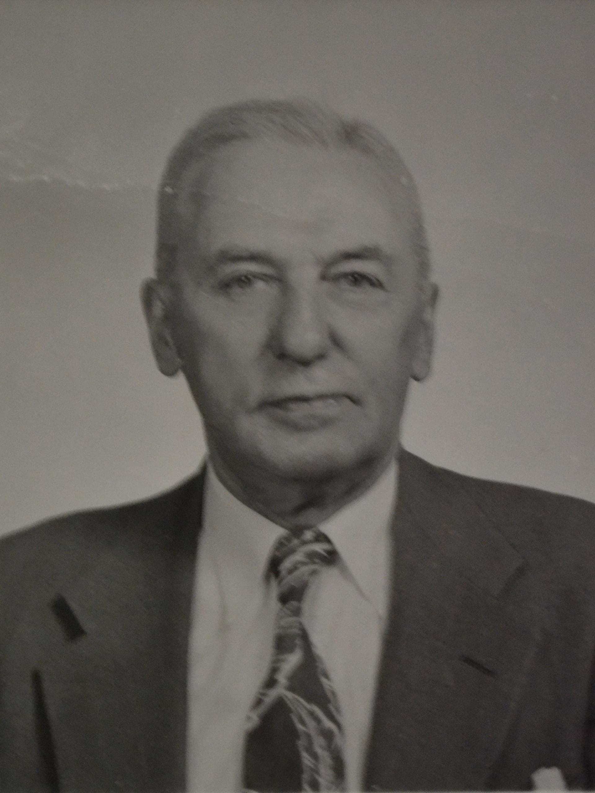 1945-R.-Lennox-Q.C.1-w1920.jpg