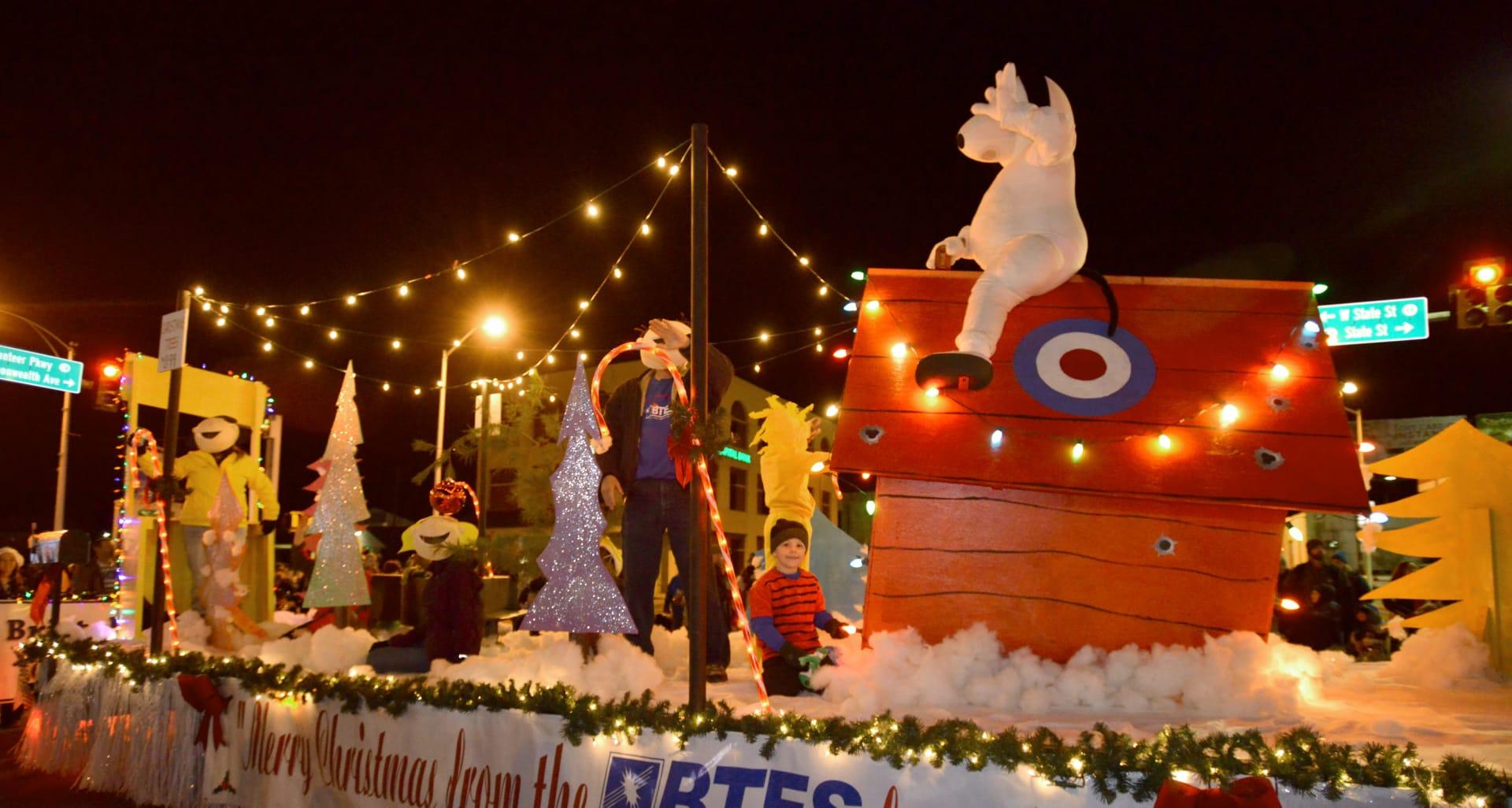 BHC-12082017-Bristol-Christmas-Parade-03-w1920.jpg