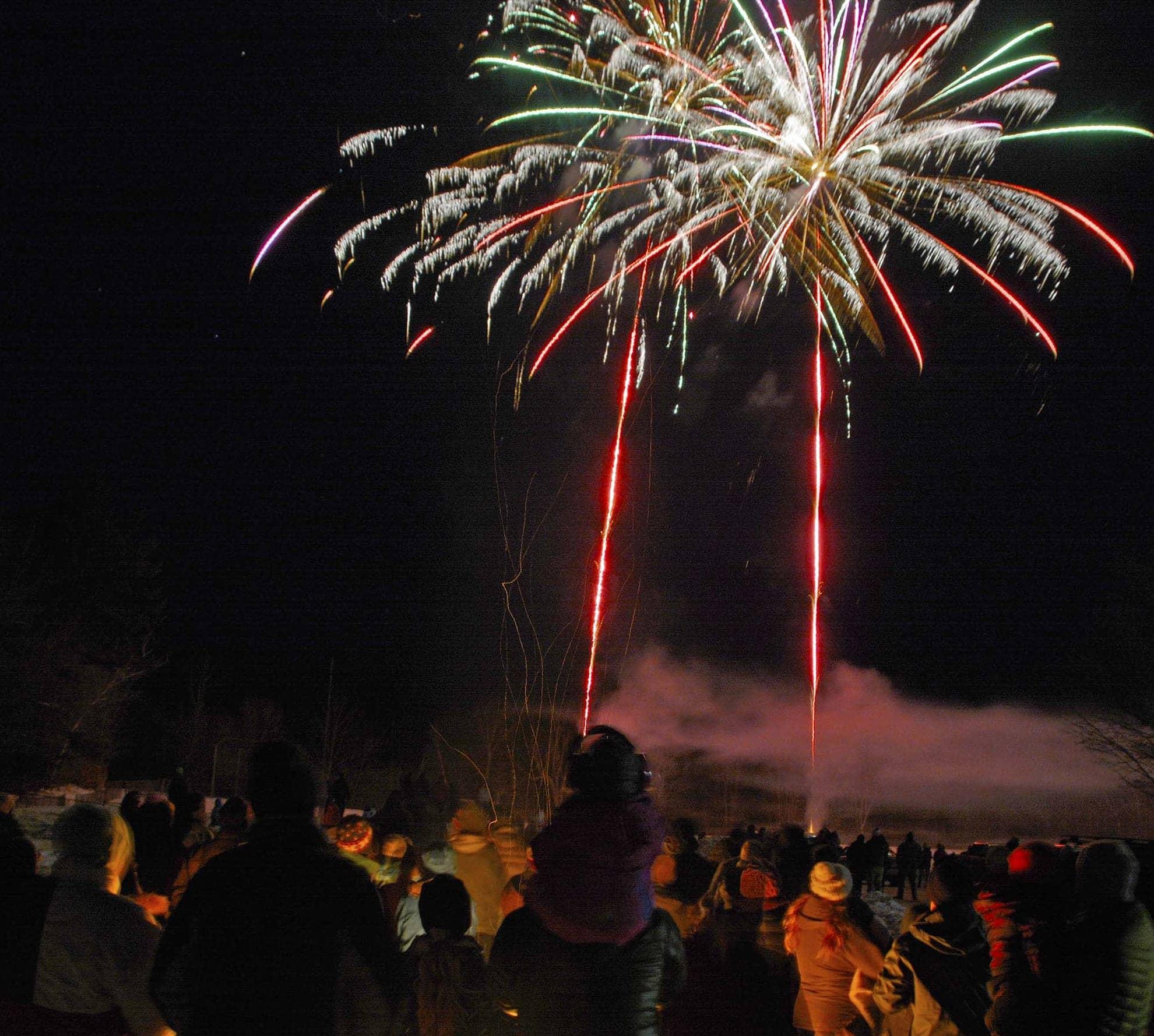 NL-winter-carneval-fireworks-w2218-w1980.jpg