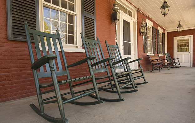 Rocking_Chairs.jpg