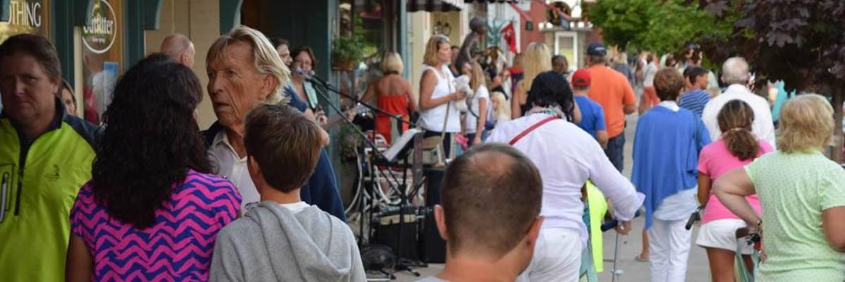 StreetMusiqueCrowds-w1198.jpg