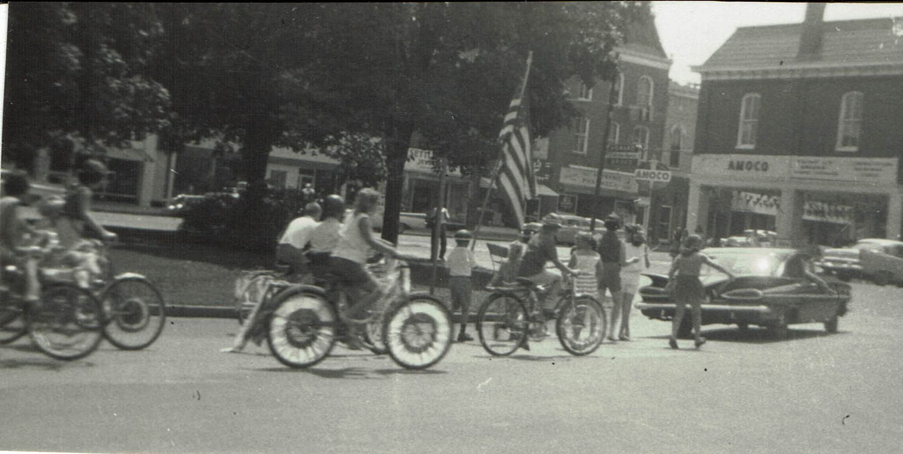 old-parade-photo.jpg