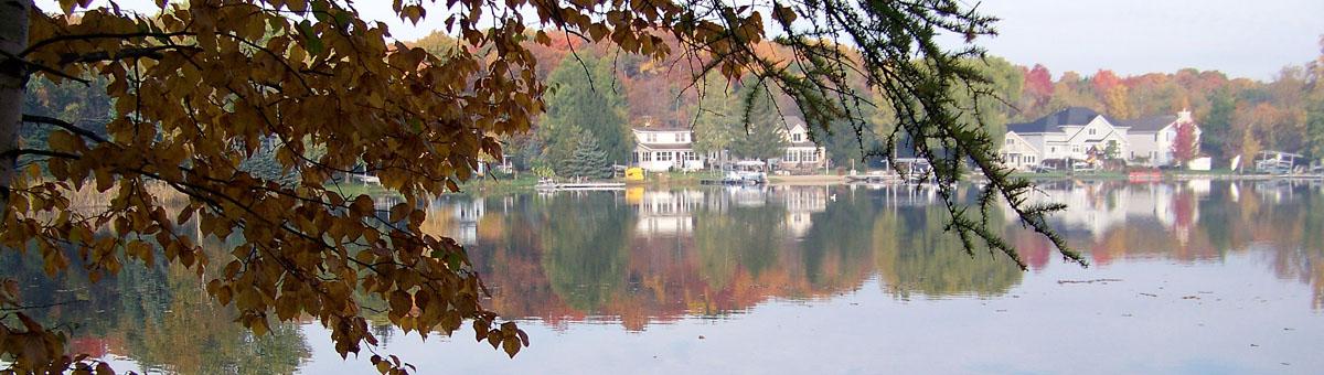 Banner_Lake_Fall.jpg