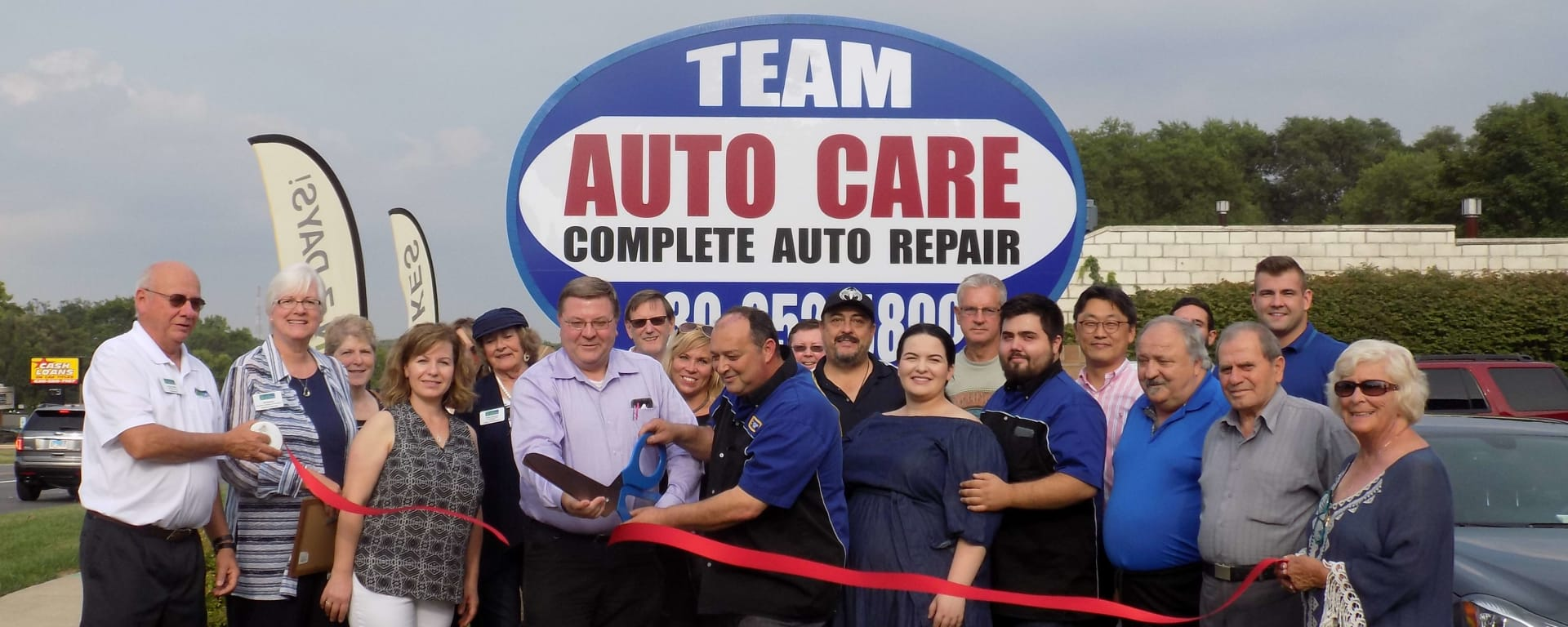 Team-Auto-Care-Ribbon-Cutting-w1920.jpg