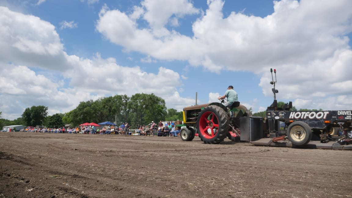 Hartford-Jamboree-Days-tractor-pull.jpg