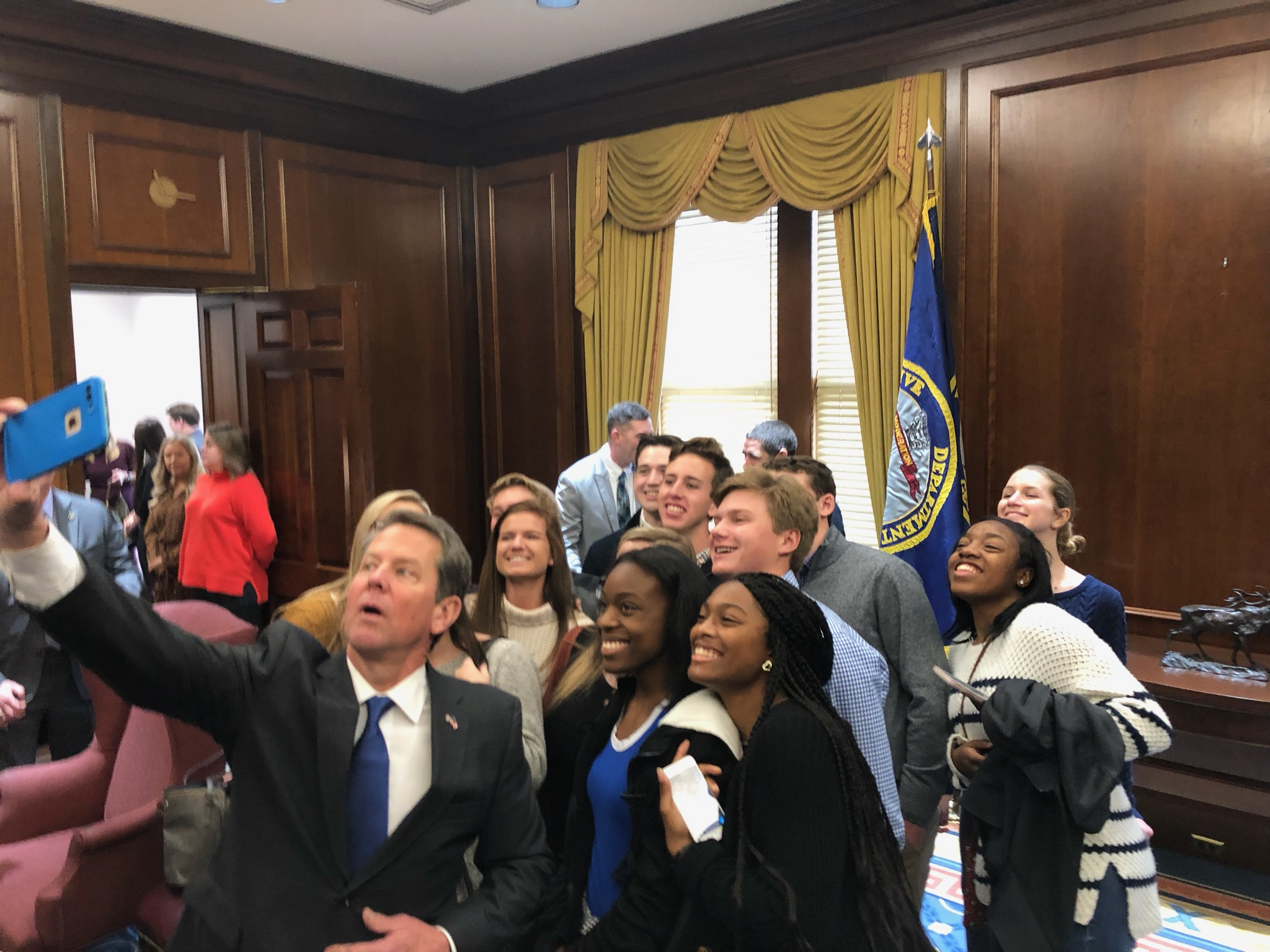 Governor-taking-selfie-with-students-photo-of-photo.jpg