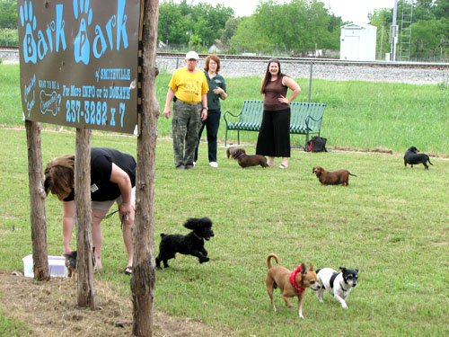 Doggie Bark Park - Smithville Area Chamber of Commerce - TX, TX