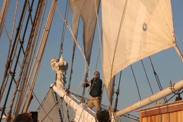 Sail-Raising-Tallship-Mystic.jpg