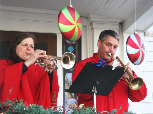 Stroll-Trumpets(1).jpg