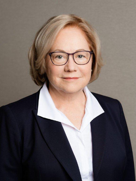 Jennifer Van Tuyl