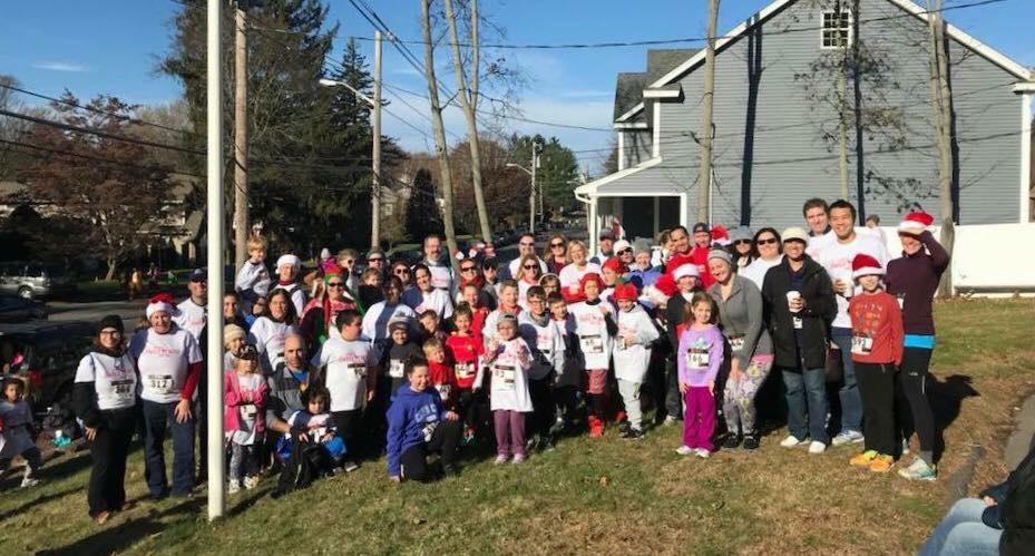Jingle-Bell-5K-Walk-Run--Roberts.jpg