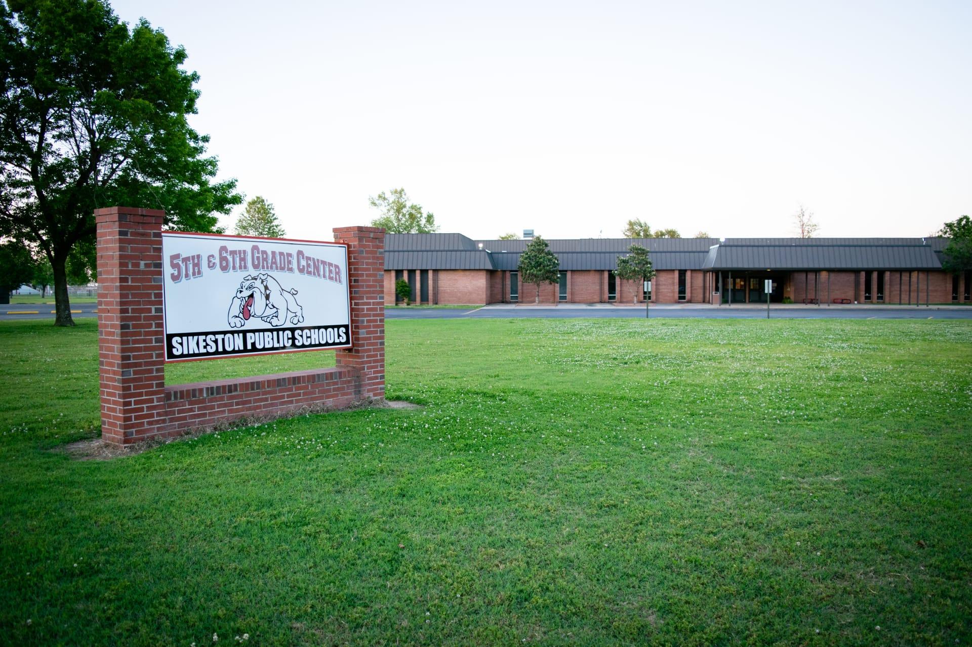 School-6th-w1920.jpg