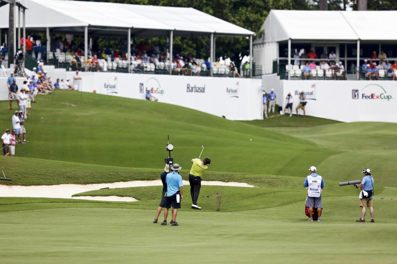 Golfer-and-background-w1366.jpg