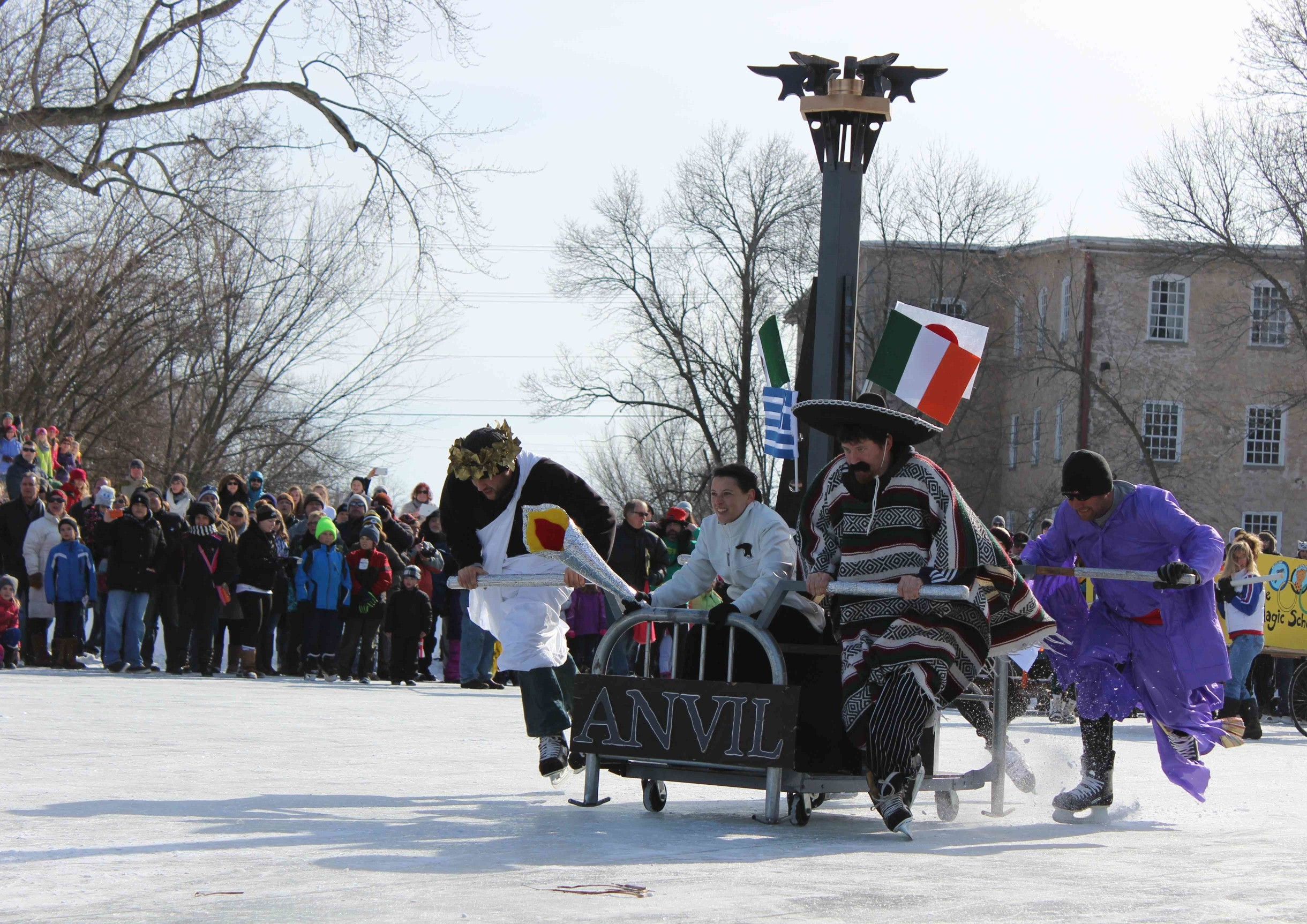 Anvil-bed-race-team-2014-w2592-w2440.jpg
