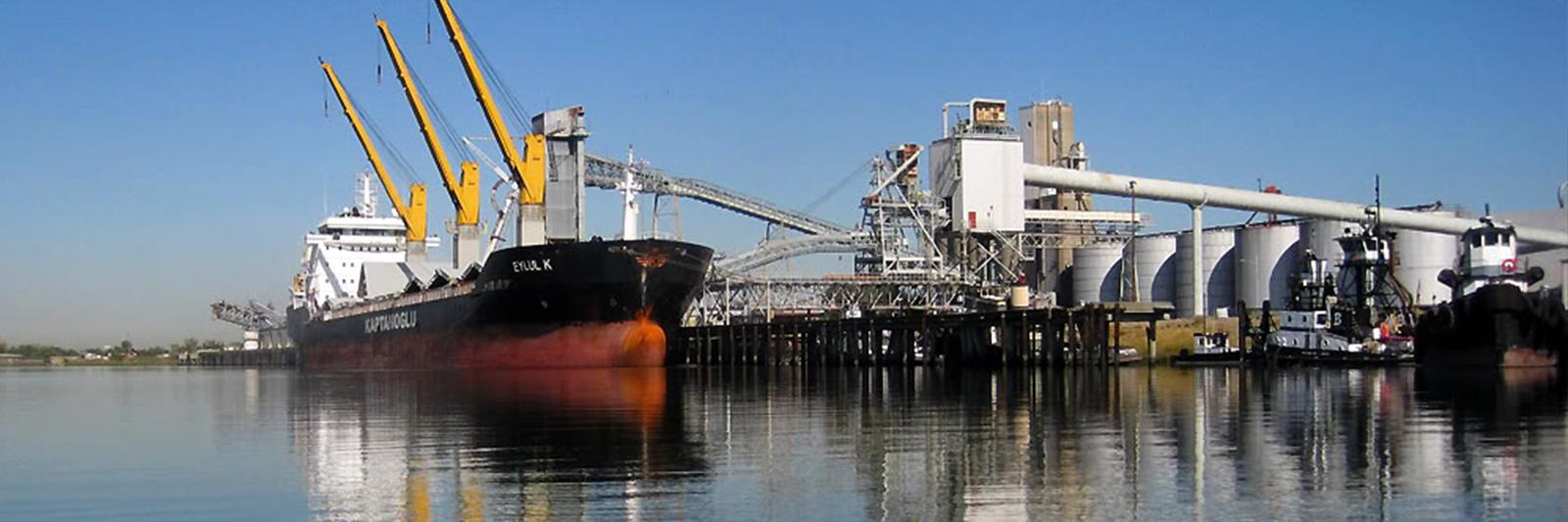 shipatport2.jpg