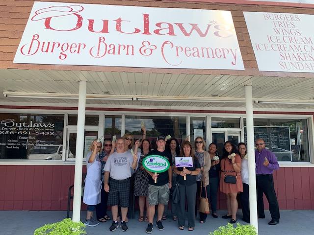 Outlaw's-7-24-19.jpg