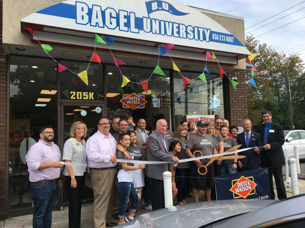 Bagel-U-ribbon-cutting.JPG-w1016.jpg
