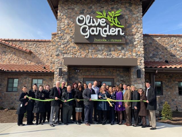 Olive-Garden-group.jpg