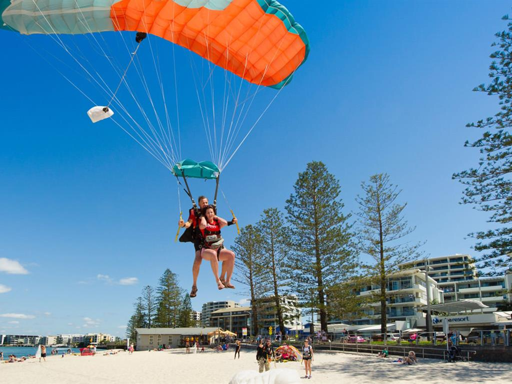 rumba-beach-resort-sunshine-coast-activities-sky-dive-bulcock-beach.jpg