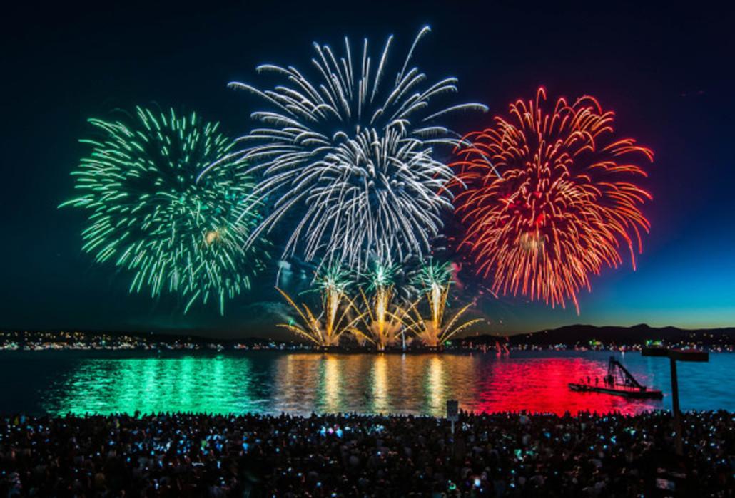 fireworks2-w589-w1030.jpg