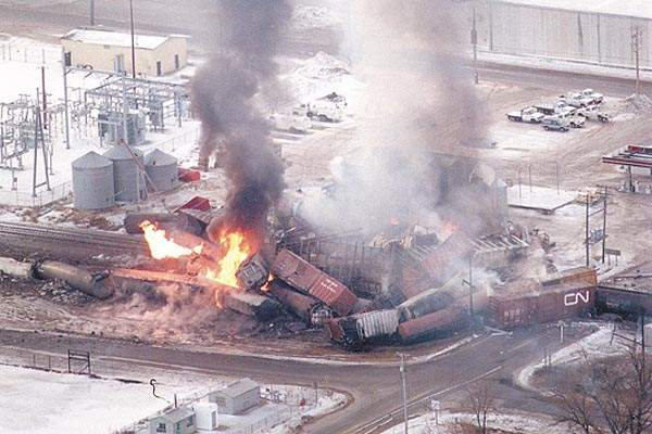 TrainDerailmentMarch1996.jpg