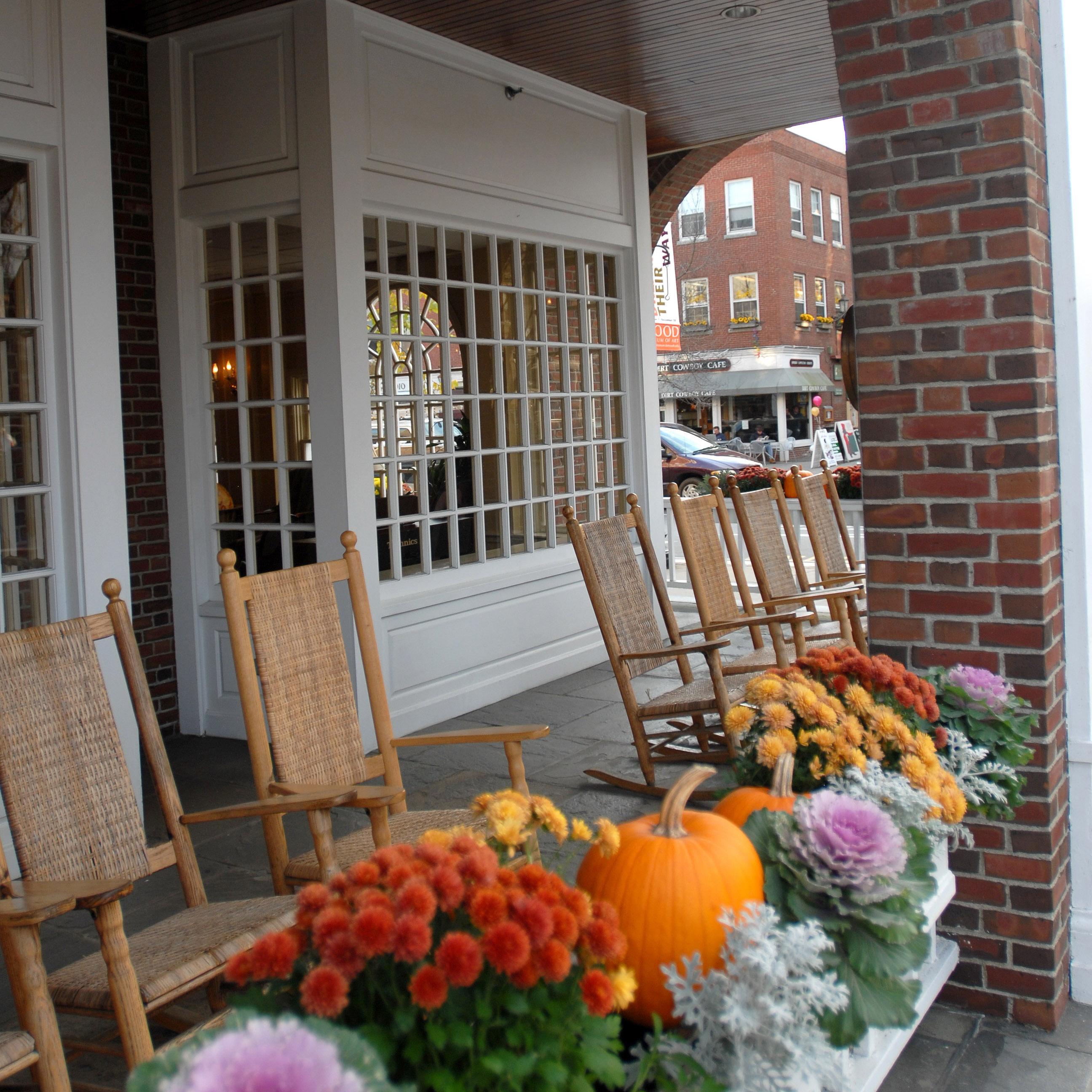 Hanover-Inn-Fall-Flowers.jpg