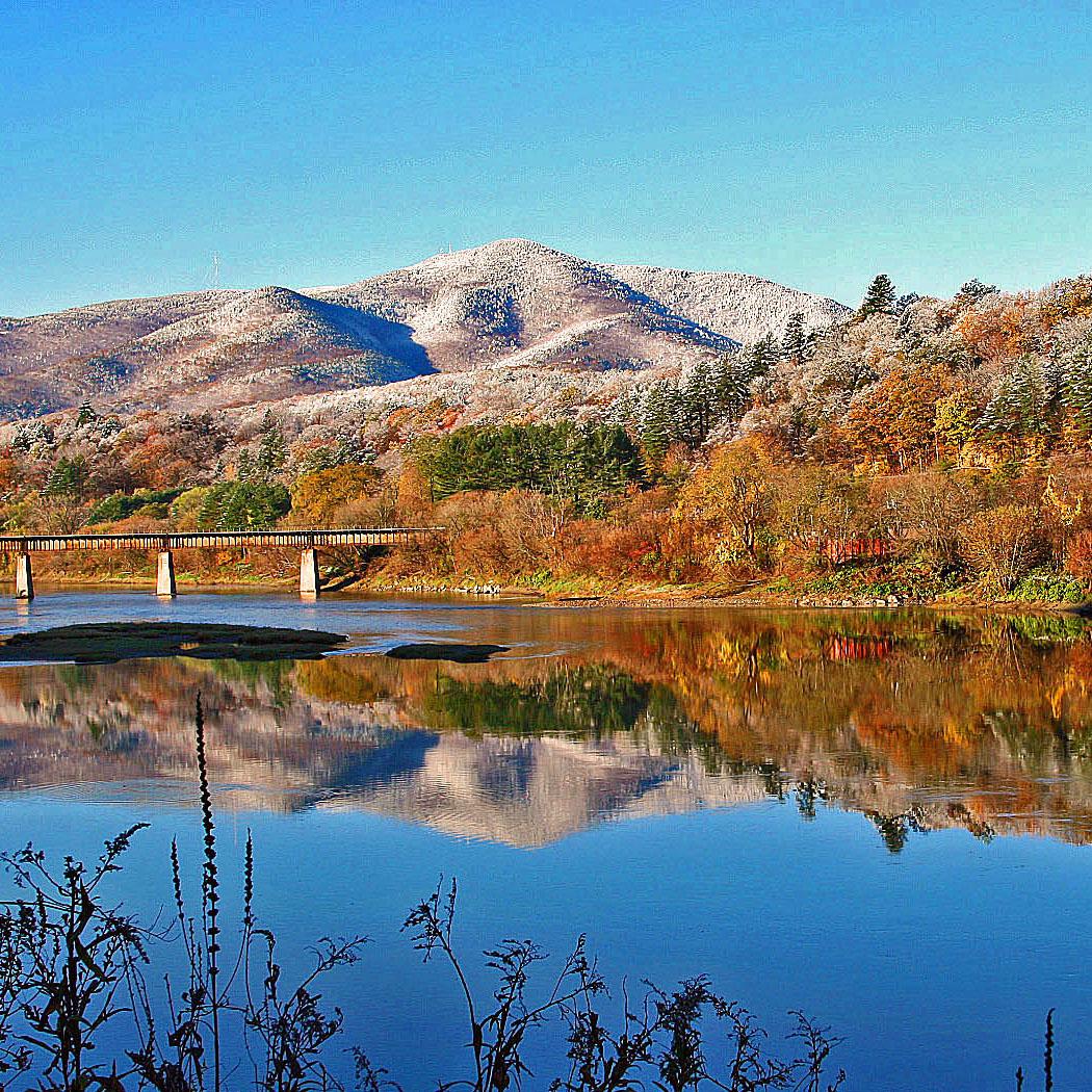 Fall-views-of-Mt.-Ascutney-David-Nelson-.JPG