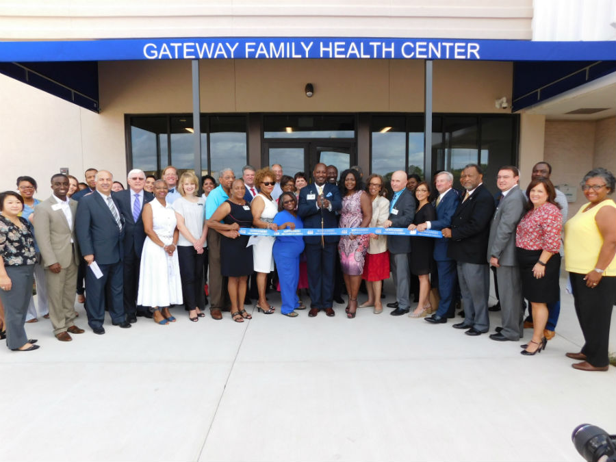 gateway-family-health-center-ribbon-cutting.jpg