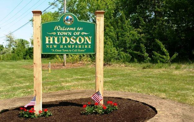 Town-of-Hudson-Sign.jpg